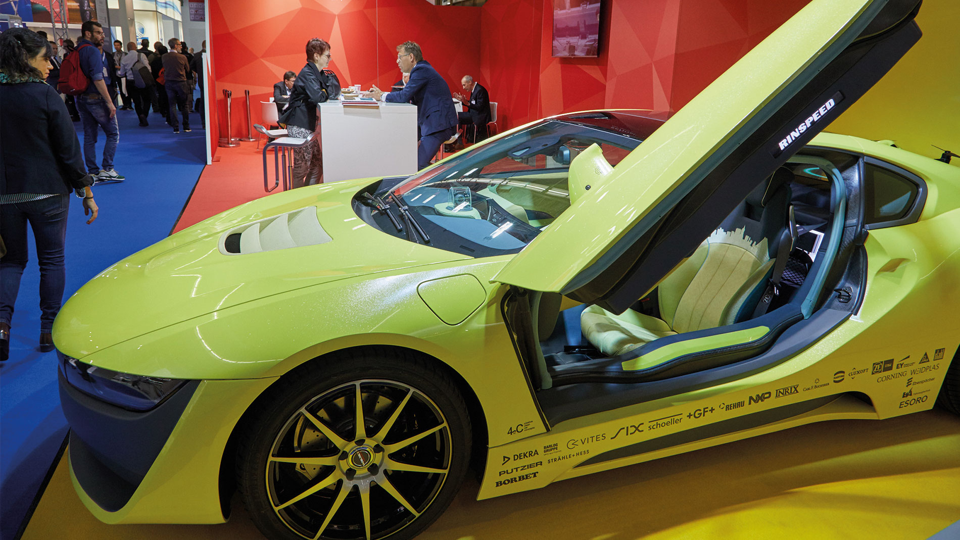 techtextil-productgroup-yellow-car-1900x1069